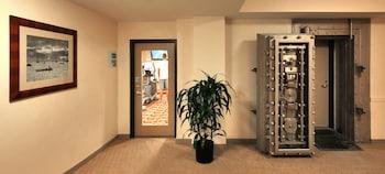 Holiday Inn Express Baltimore Downtown Deals & Reviews