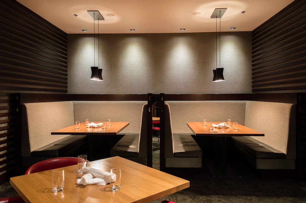 Lounge, Coast Coal Harbour Vancouver Hotel by APA