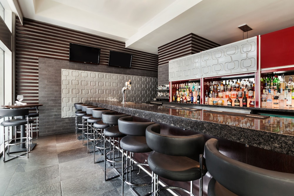 Bar, Coast Coal Harbour Vancouver Hotel by APA
