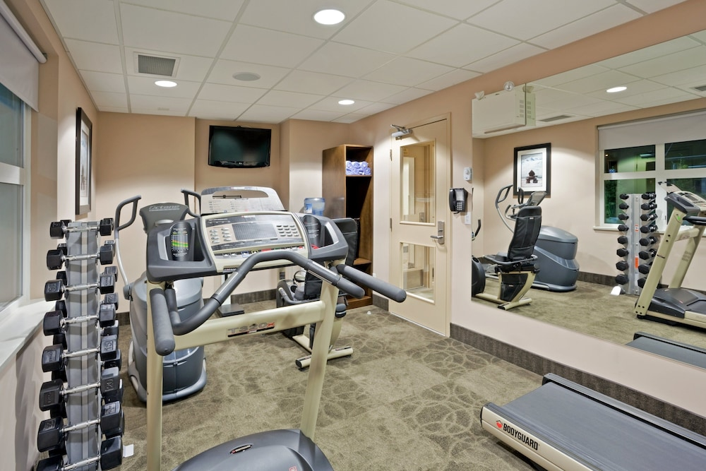 Fitness Facility, Holiday Inn Hotel & Suites Surrey East Cloverdale, an IHG Hotel