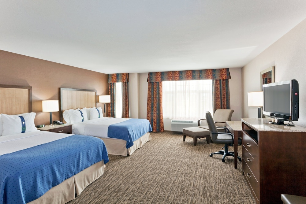 Room, Holiday Inn Hotel & Suites Surrey East Cloverdale, an IHG Hotel