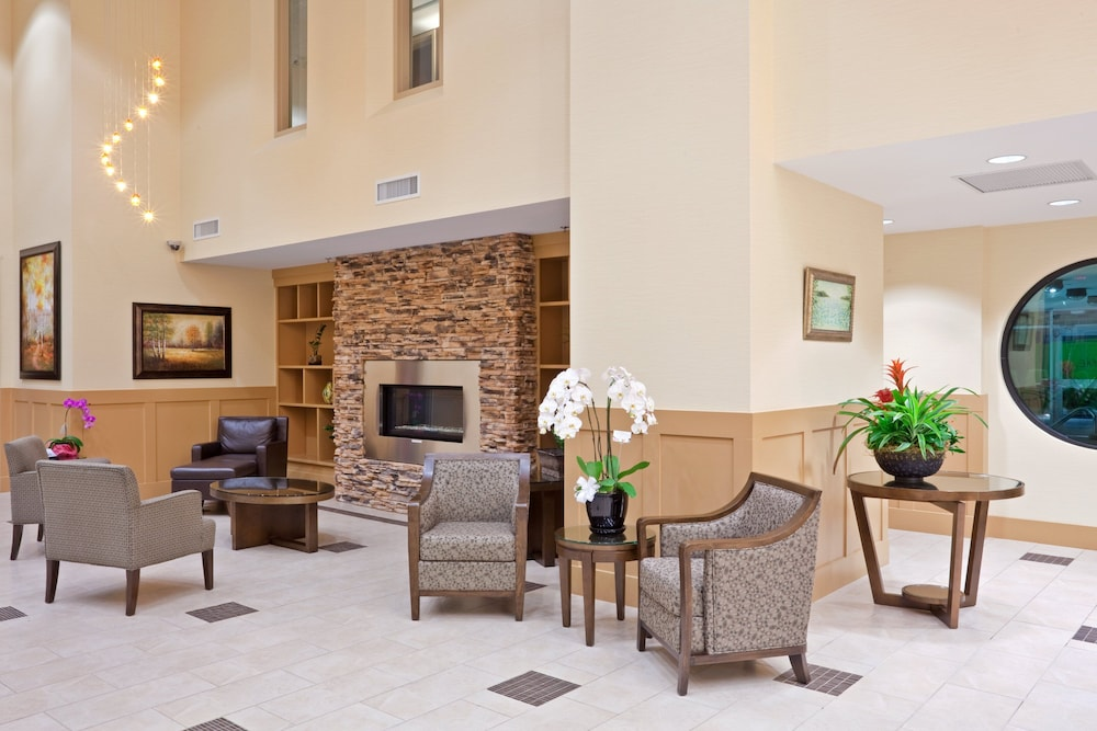 Lobby, Holiday Inn Hotel & Suites Surrey East Cloverdale, an IHG Hotel