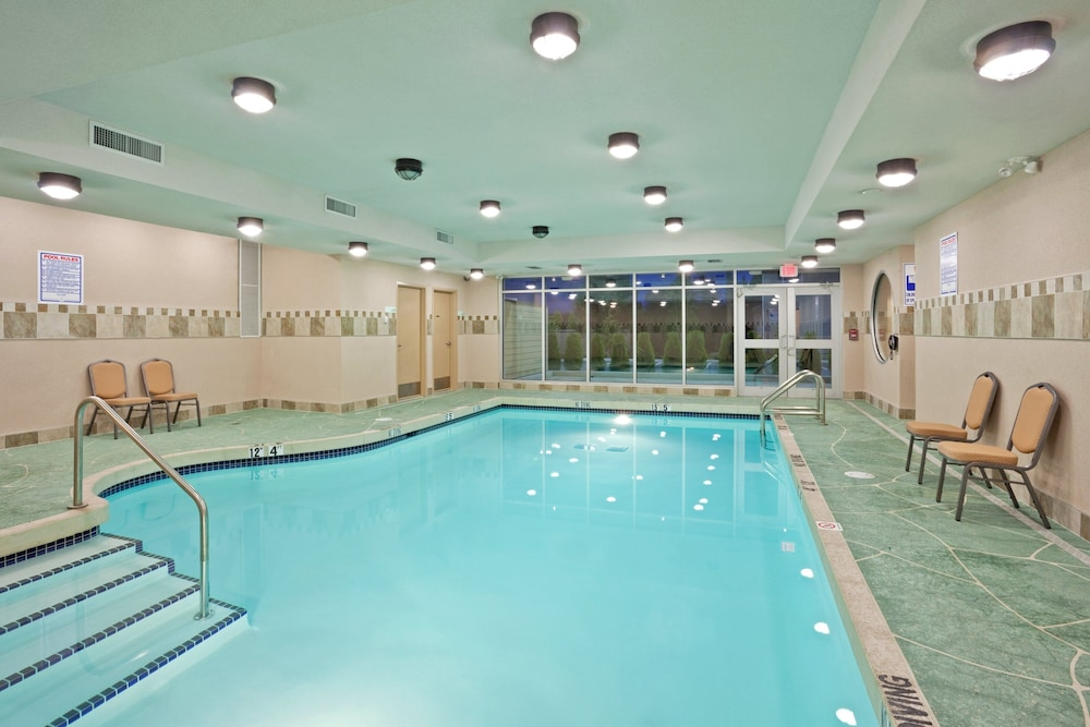 Pool, Holiday Inn Hotel & Suites Surrey East Cloverdale, an IHG Hotel