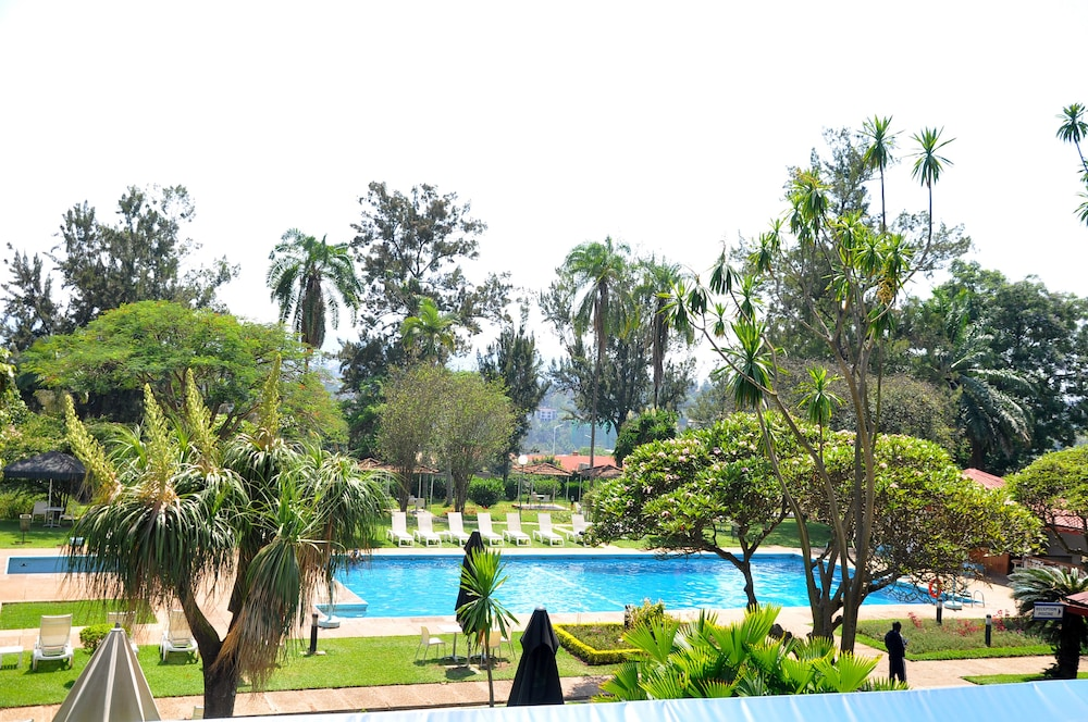 Outdoor Pool, Marasa Umubano Hotel