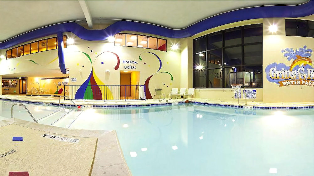 Indoor Pool, Holiday Inn Express Hotel and Suites West Valley