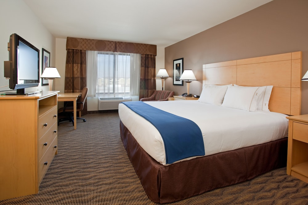 Room, Holiday Inn Express Hotel and Suites West Valley