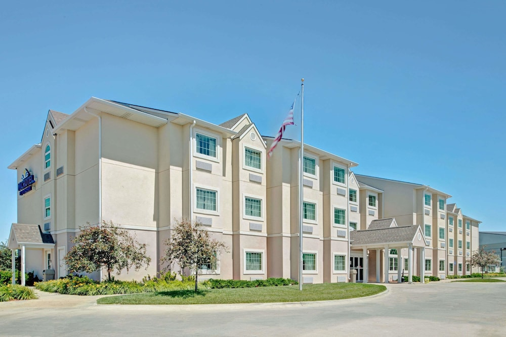 Exterior, Microtel Inn & Suites by Wyndham Council Bluffs/Omaha