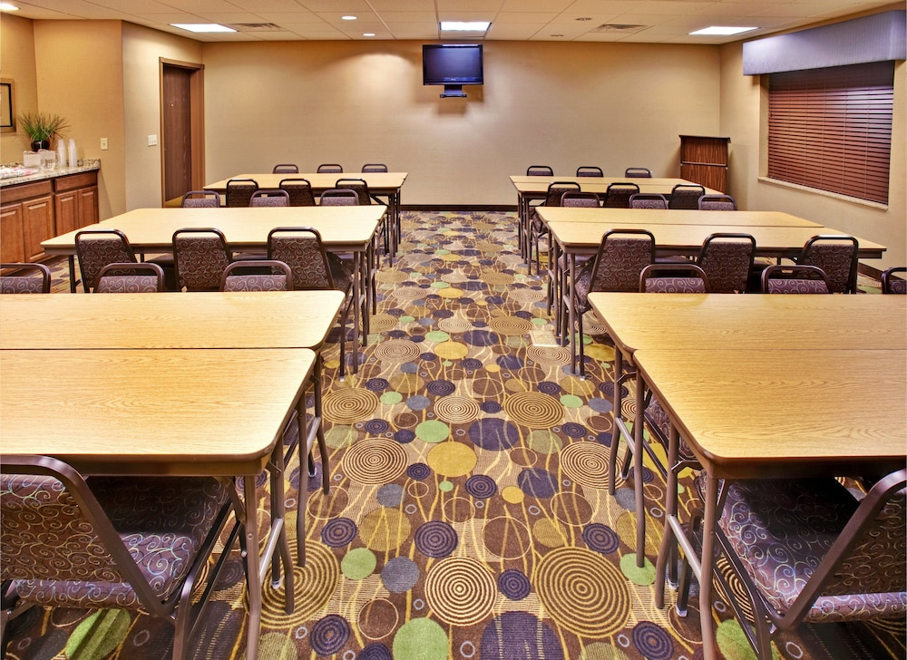 Meeting Facility, Holiday Inn Express Hotel & Suites Dubuque, an IHG Hotel