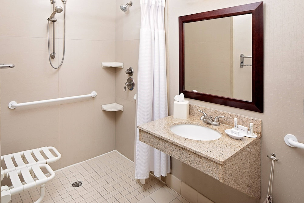 Bathroom, SpringHill Suites by Marriott El Paso