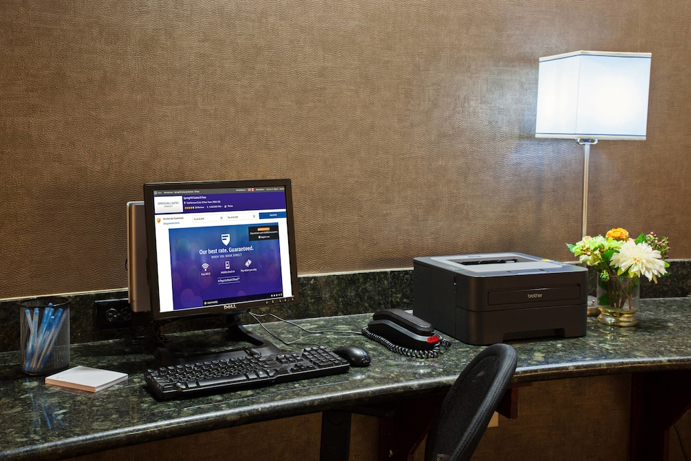 Business Center, SpringHill Suites by Marriott El Paso