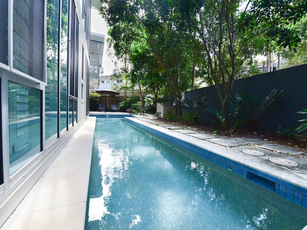 Penthouse (Belongil) - Outdoor Pool