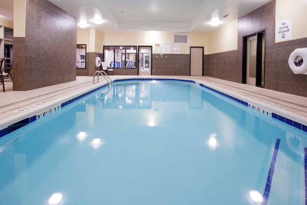 Pool, Holiday Inn and Suites Grand Junction, an IHG Hotel