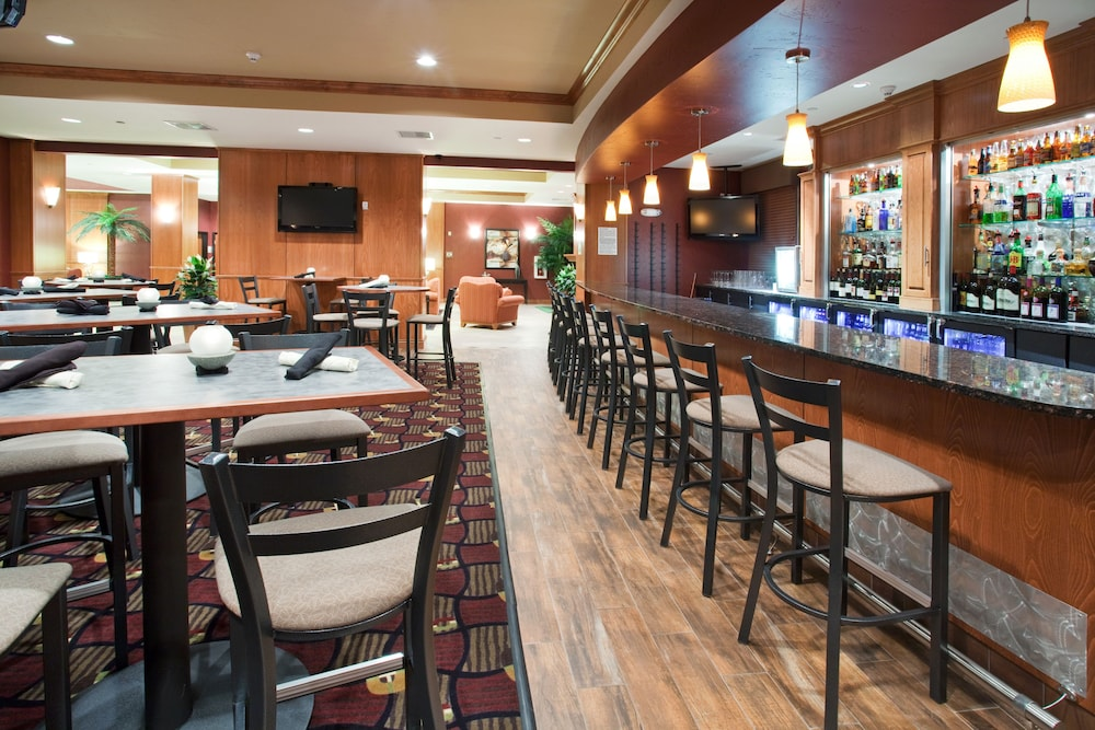 Bar, Holiday Inn and Suites Grand Junction, an IHG Hotel