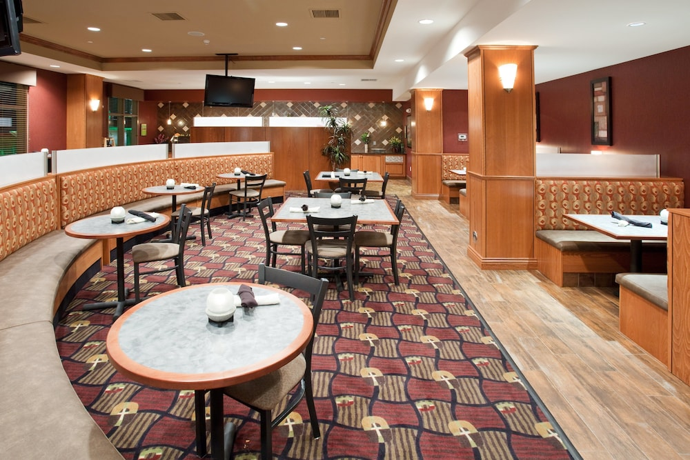 Restaurant, Holiday Inn and Suites Grand Junction, an IHG Hotel