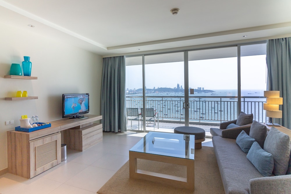 Holiday Inn Pattaya Reviews Photos Rates Ebookers Com