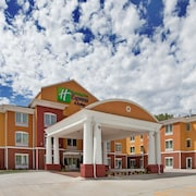 Holiday Inn Express Hotel & Stes Kansas City Sports Complex