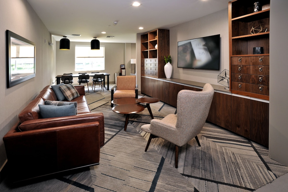 Library, Four Points by Sheraton Fort Lauderdale Airport - Dania Beach