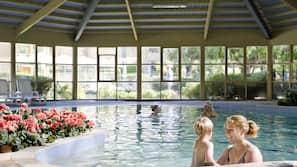 Piscine couverte, 2 piscines extérieures