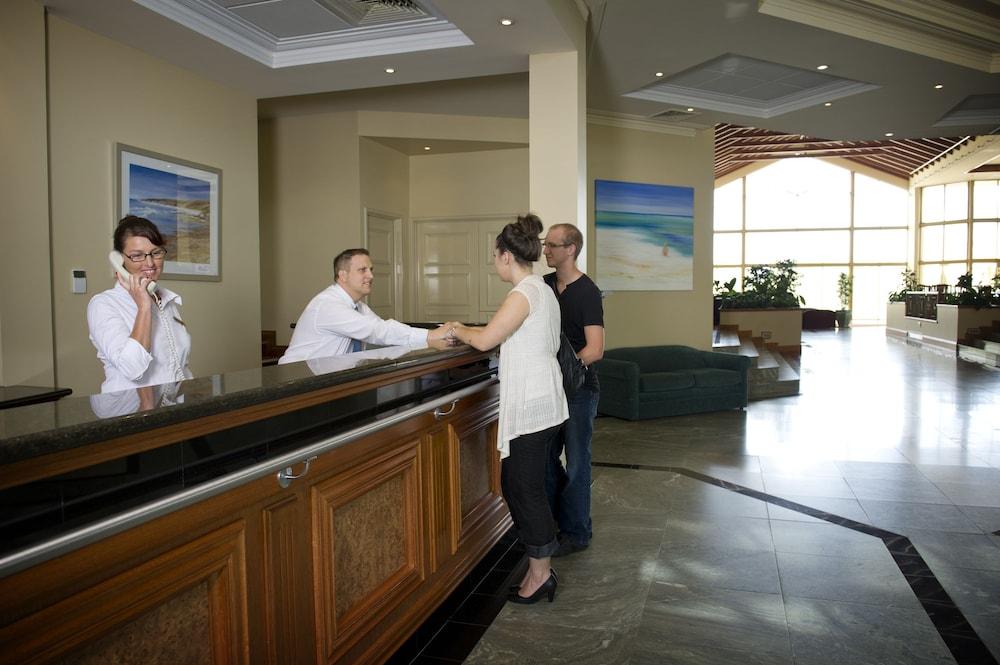Abbey Beach Resort Broadwater AUS Expediacomau