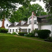 Admiral Peary Inn Bed & Breakfast