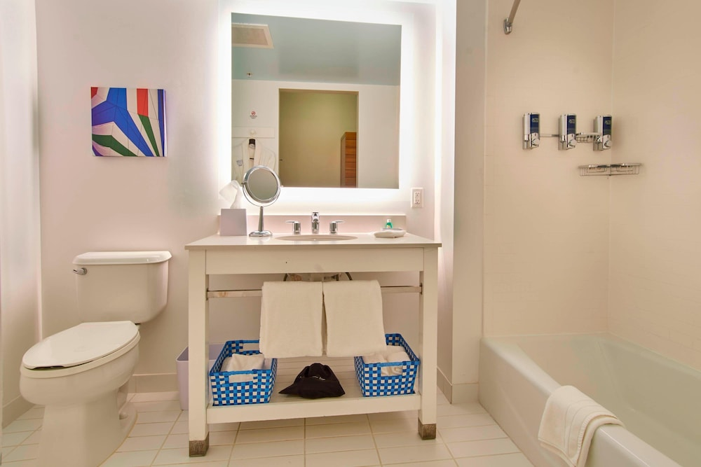 Bathroom, Four Points by Sheraton Punta Gorda Harborside