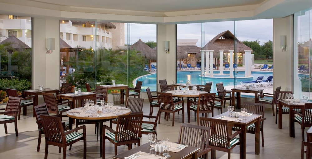Restaurant, Grand Riviera Princess All Suites Resort & Spa All Inclusive