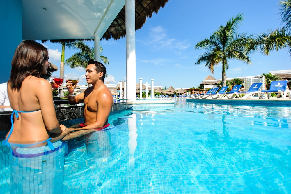 Outdoor Pool, Grand Riviera Princess All Suites Resort & Spa All Inclusive
