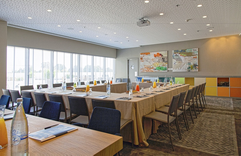 Meeting Facility, Sadot, Airport Hotel - an Atlas Boutique Hotel