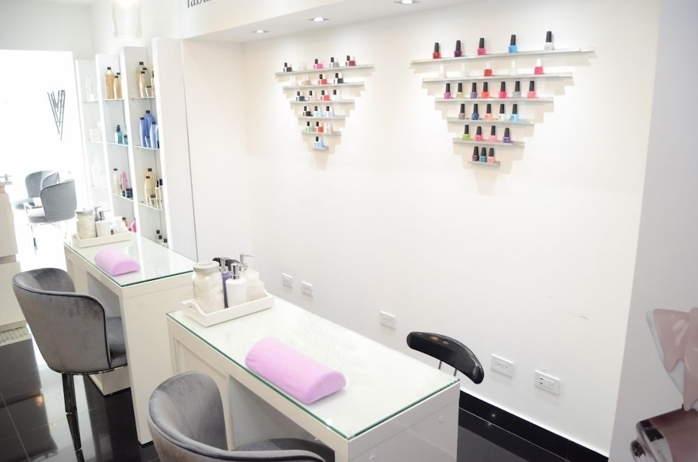 Nail Salon, W&P Santo Domingo