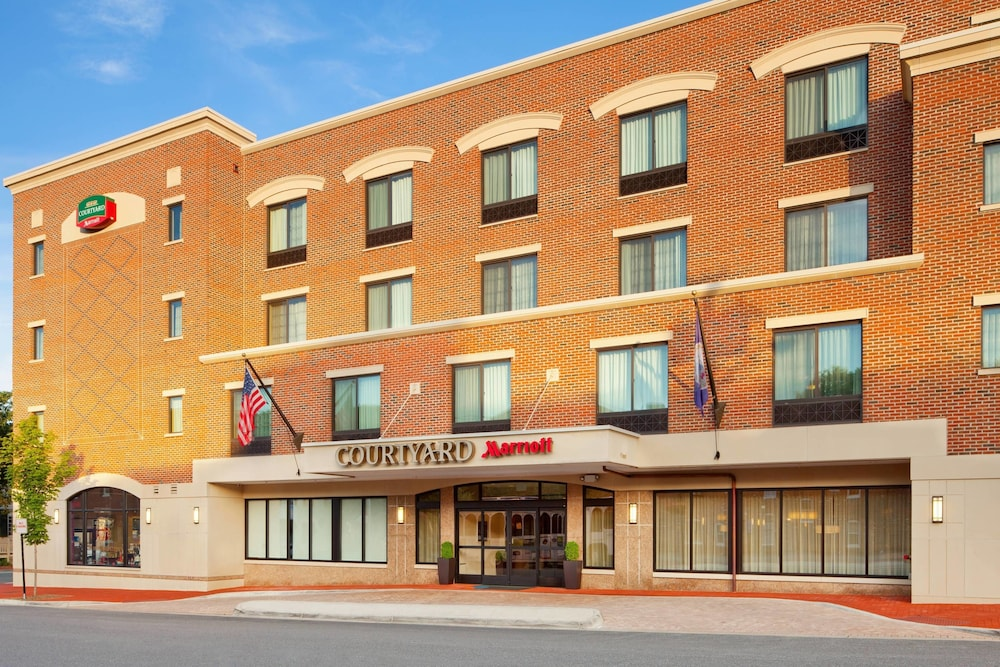 Courtyard by Marriott Fredericksburg Historic District in