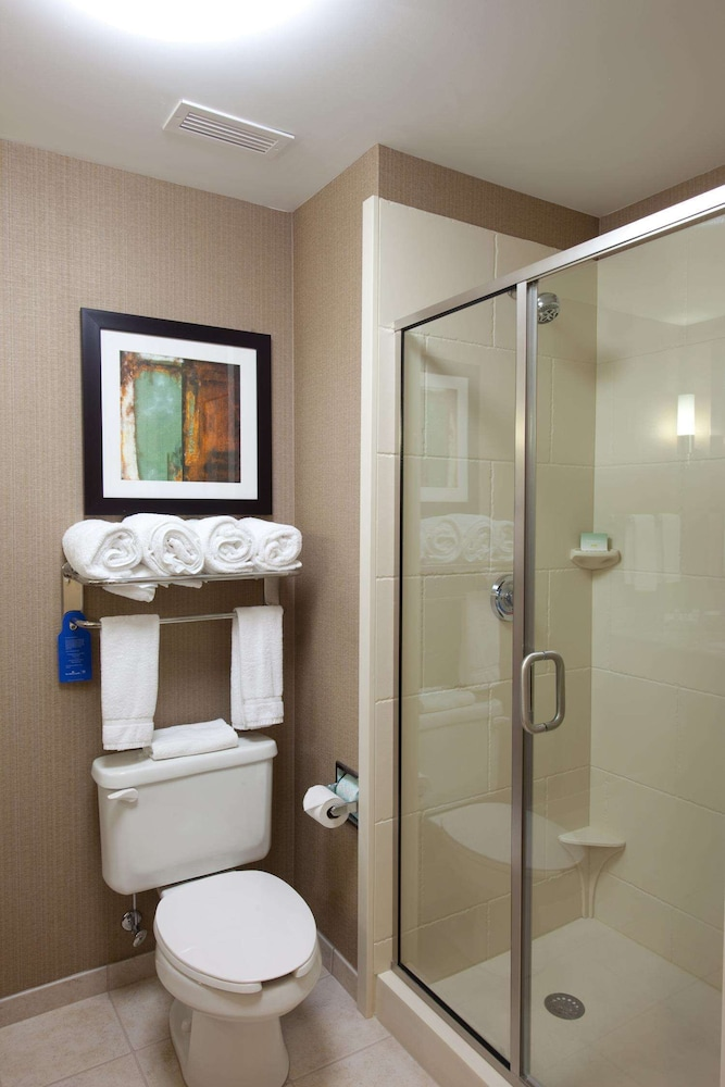 Bathroom, Homewood Suites by Hilton St Louis - Galleria