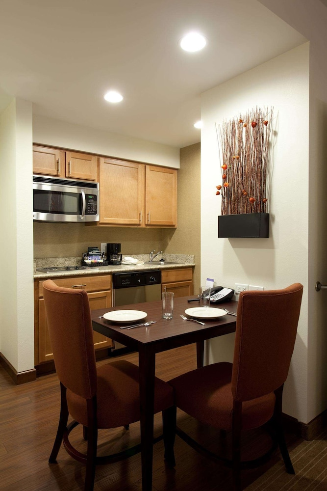 Private Kitchen, Homewood Suites by Hilton St Louis - Galleria