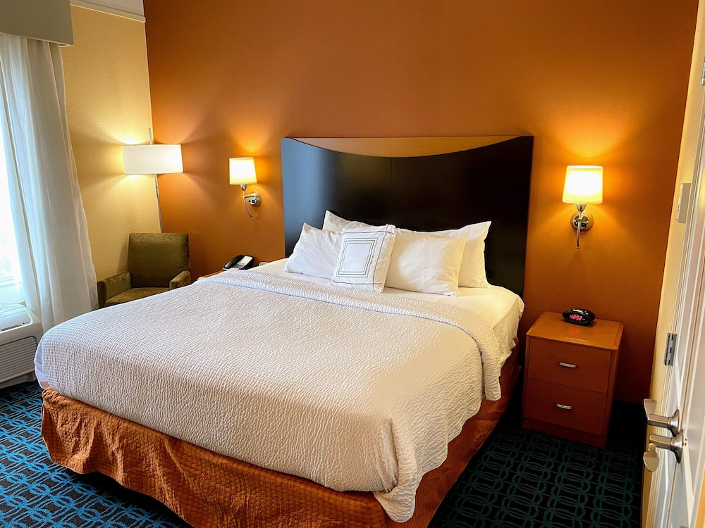 Room, Fairfield Inn & Suites Jonesboro