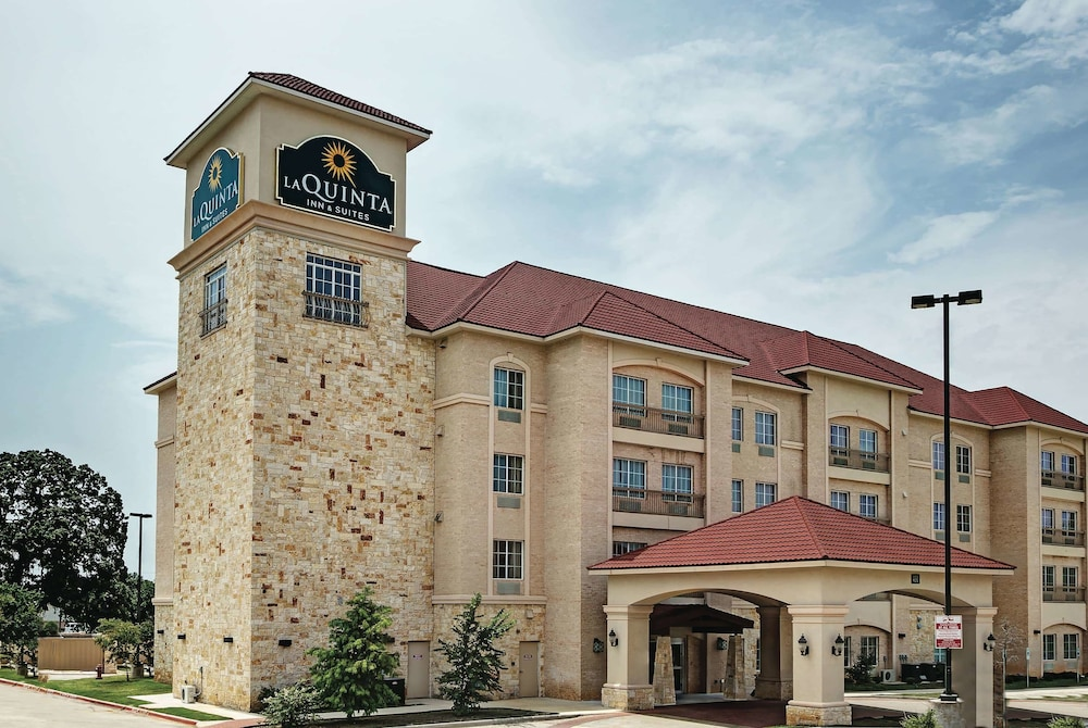 Exterior, La Quinta Inn & Suites by Wyndham DFW Airport West - Euless