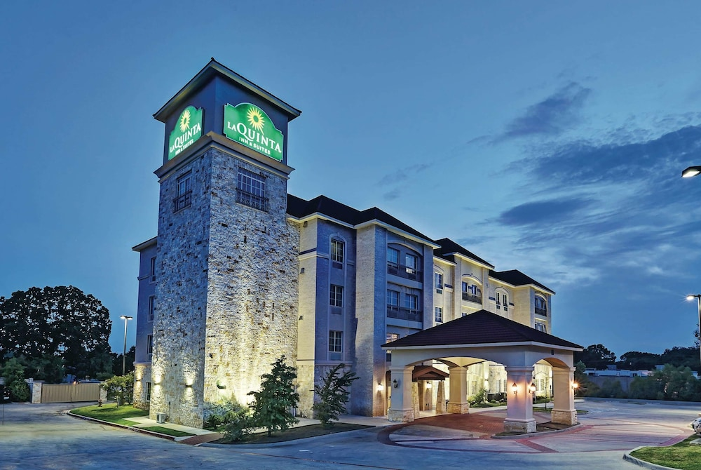 Featured Image, La Quinta Inn & Suites by Wyndham DFW Airport West - Euless