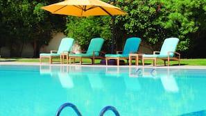 2 indoor pools, 2 outdoor pools, pool umbrellas