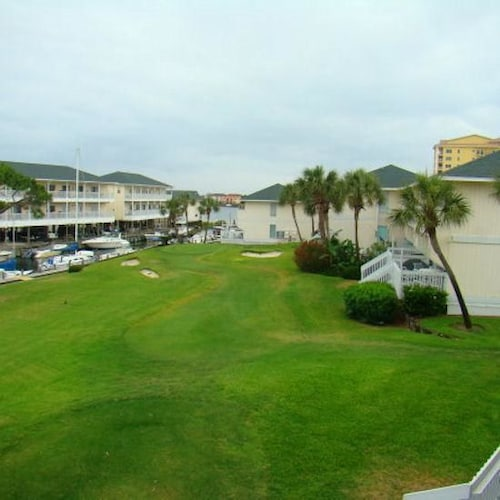 Sandpiper Cove Studios By Holiday Isle Destin Usa Expedia