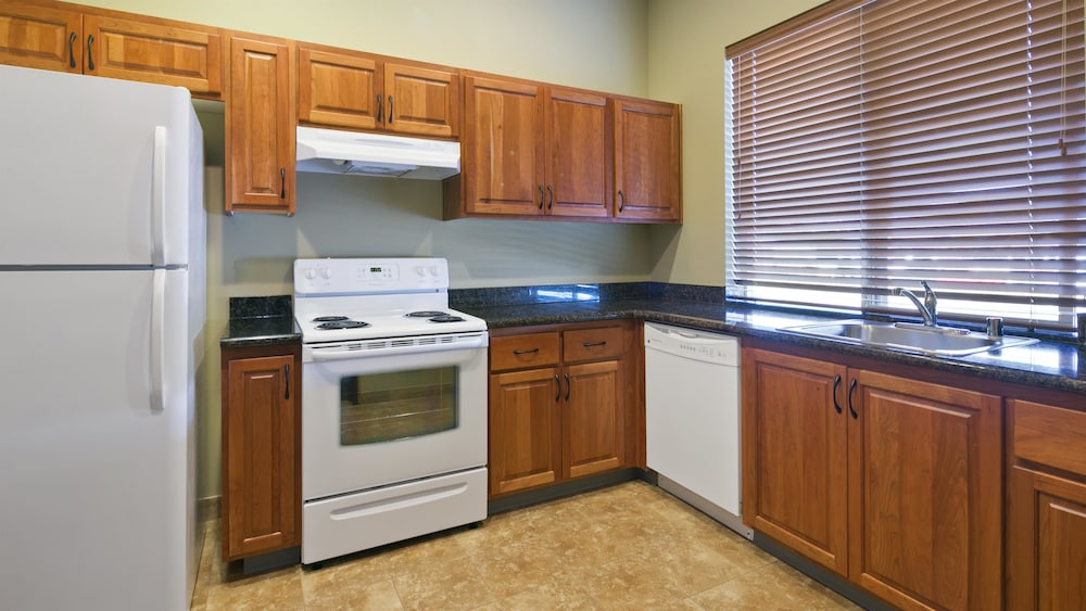 Private Kitchen, Best Western Plus Parkersville Inn & Suites