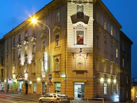 Hotel GOLDEN CITY-garni