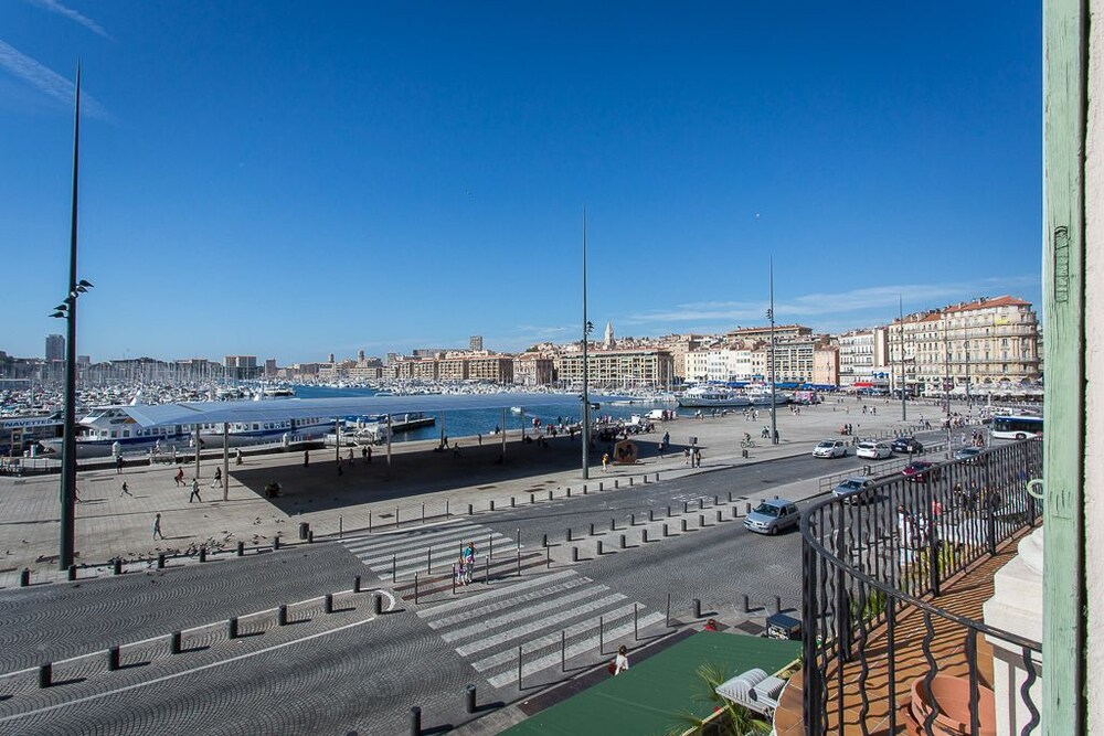 H tel aliz marseille vieux port marseille room prices reviews travelocity - Hotel alize marseille vieux port ...