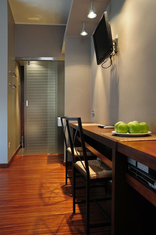 La gioia modern designed studios 2017 room prices deals for Modern image studios reviews