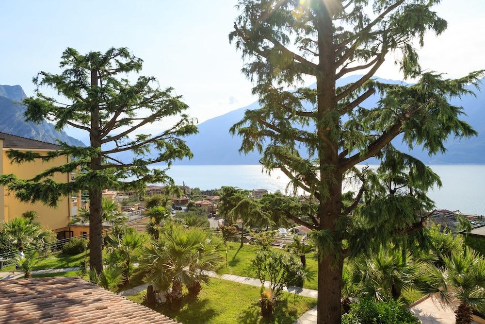 Hotel Cristina Limone Sul Garda Bs Italien