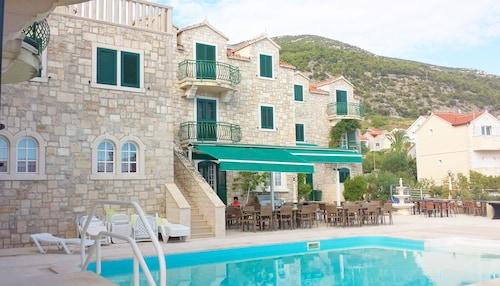 Hotel Ivan