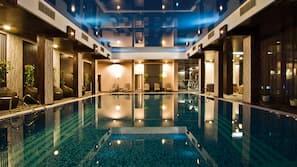 Indoor pool, 8 outdoor pools