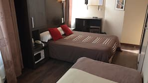 Select Comfort beds, in-room safe, desk, free cribs/infant beds