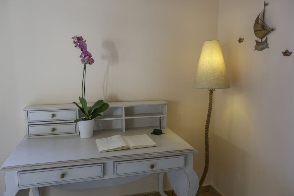 Concierge Desk, Hotel Anassa