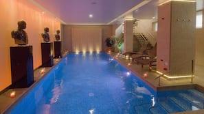 Indoor pool, 2 outdoor pools, pool loungers