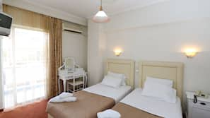 Egyptian cotton sheets, in-room safe, desk, soundproofing