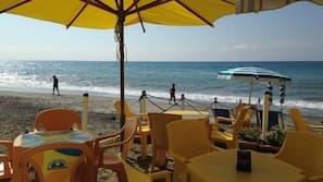 Spiaggia privata nelle vicinanze, un bar sulla spiaggia
