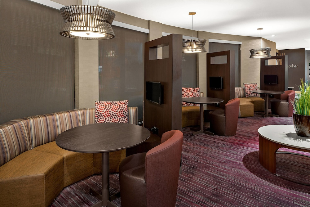 Lobby, Courtyard Marriott Flagstaff